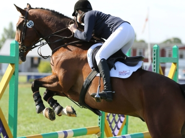Lizzie Wright and horse Calulano Z WEB